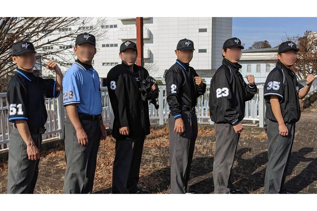 野球 審判用 ブルゾン、ポロシャツ、キャップ、グランドコートの画像