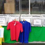 ポロシャツ在庫処分市の写真